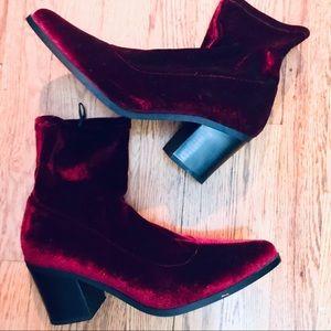 Forever 21 Red Velvet chunky heel booties size 10